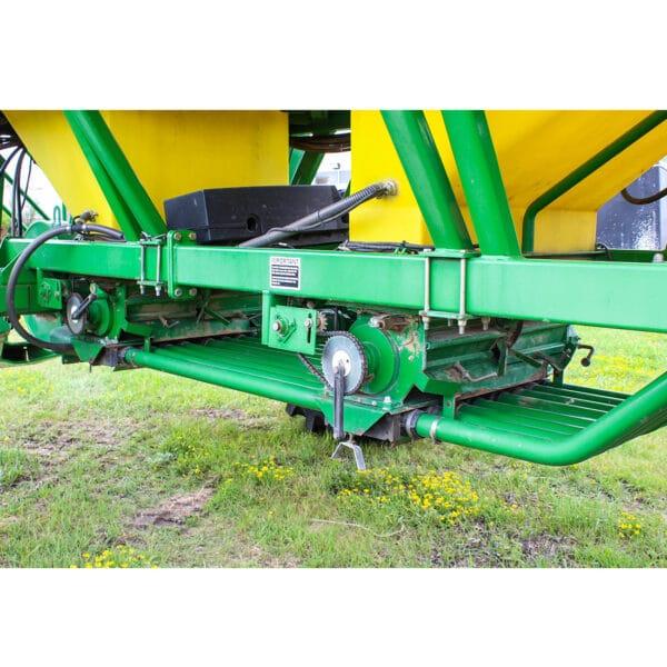 2000 John Deere 1900 350BU Air Cart
